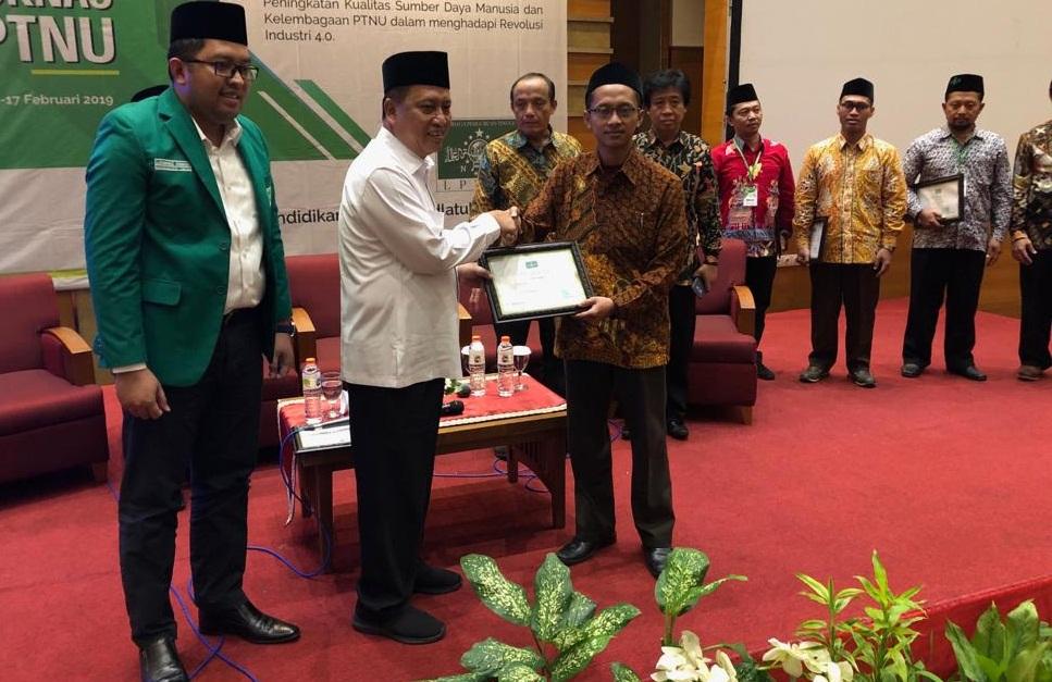 Menteri Ristekdikti Serahkan SK Pendirian Akademi Komunitas Teknologi Syarifuddin